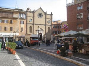 Imagine shopping for Thanksgiving in this little Italian street market!